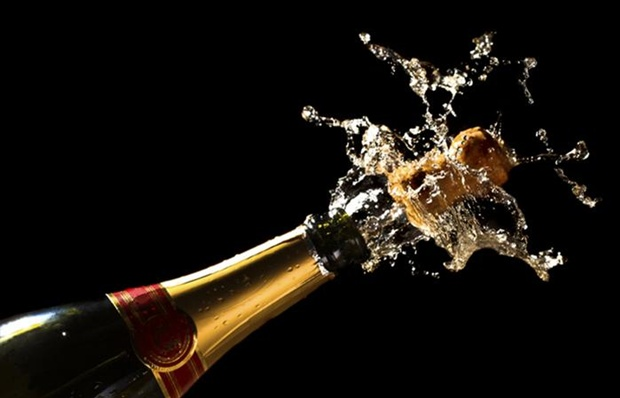 2074701_Champagne-Celebration-Celebrate-700x450